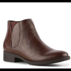 brown leather Chelsea booties